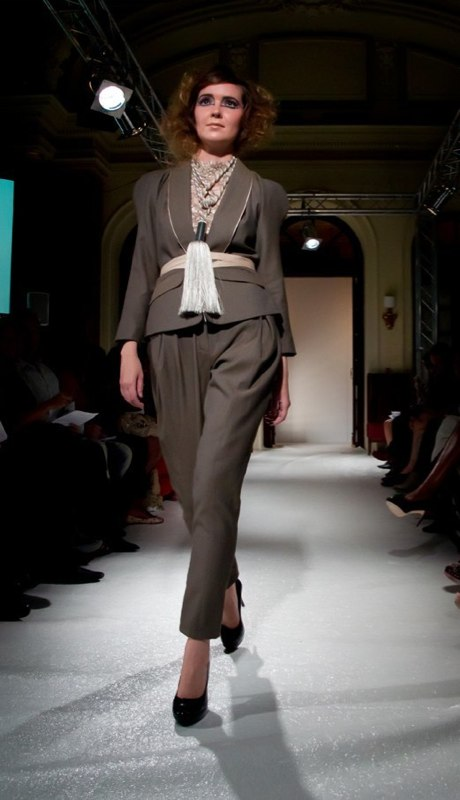 Alja Slemensek - Fashion Collection for London Fashion Week - Brown Women's Suit