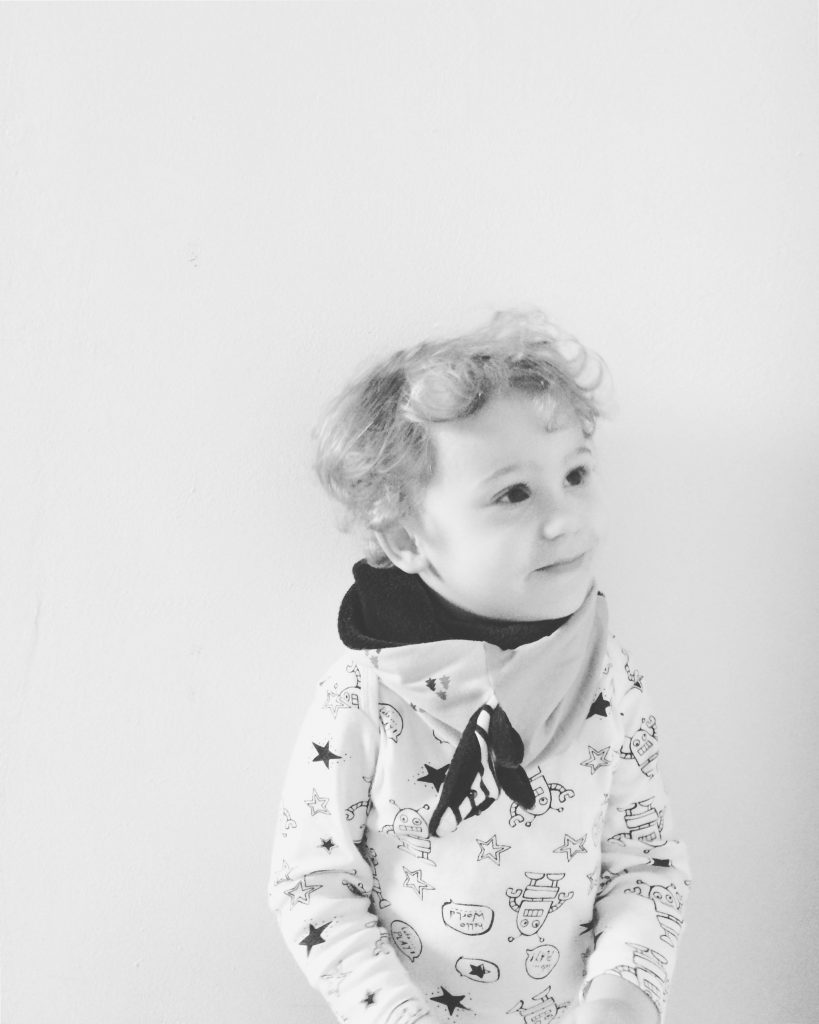 Alja Slemensek - Fox Scarf for Kids - Happy Kid