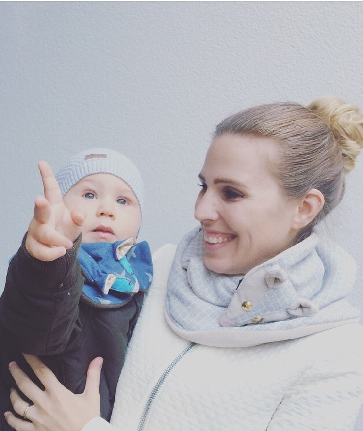 Alja Slemensek - Fox Scarf for Kids - Stars Pattern