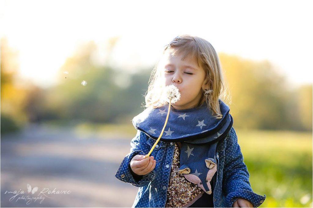 Alja Slemensek - Fox Scarf for Kids - Blue Stars Pattern