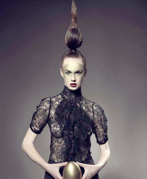 Alja Slemensek - Lookbook - Transparent Black Lace Top