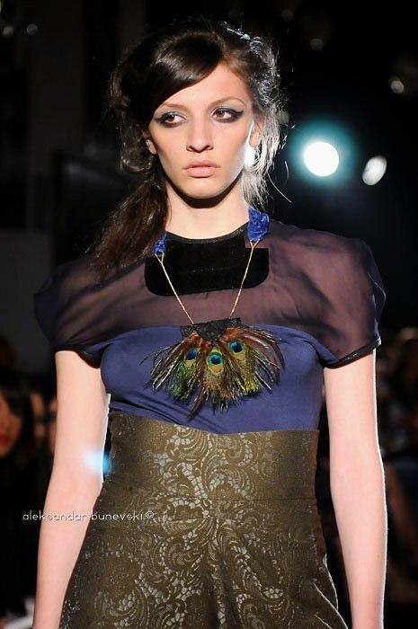 Alja Slemensek - Lookbook - Peacock Necklace