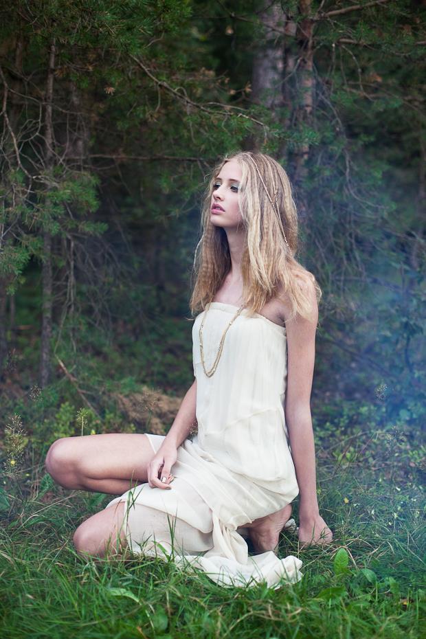 Alja Slemensek - Lookbook - Long White Dress