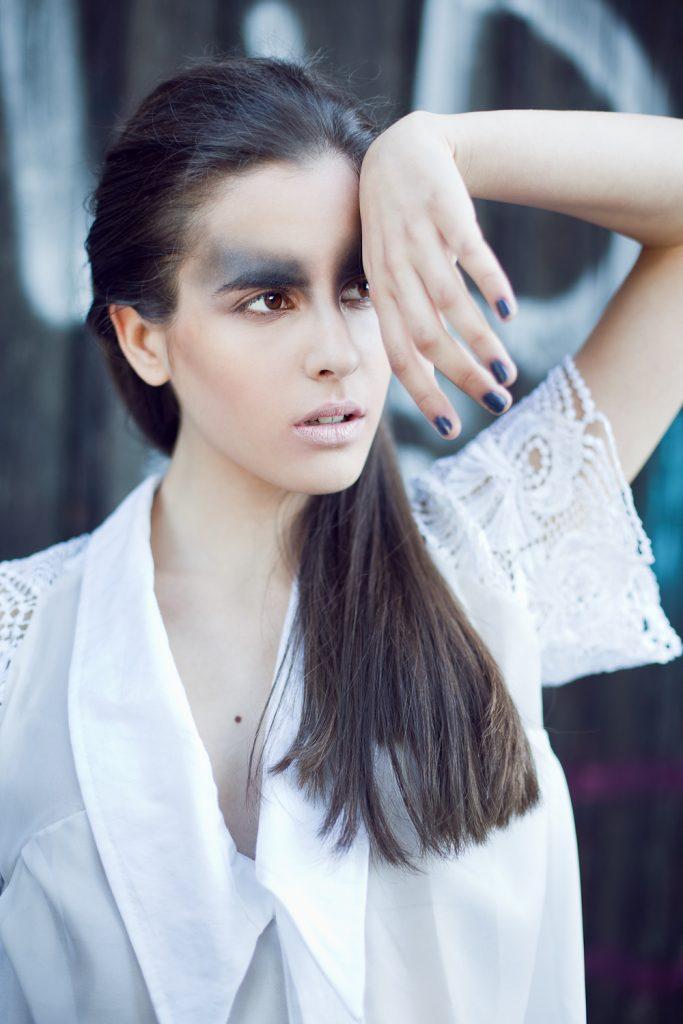 Alja Slemensek - Lookbook - Lace Short Sleeve