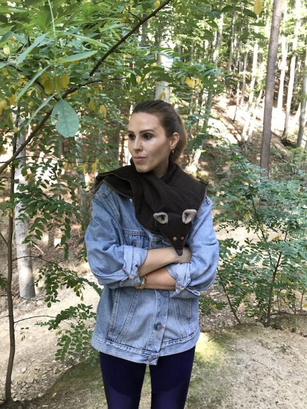 Fox scarf forest brown & brown eyes