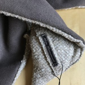 Fox scarf mocca brown & white eyes