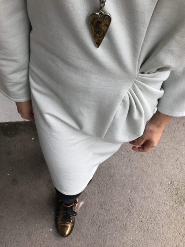 Langarm Kleid aus Bio-Baumwolle - Plisse-Taille - Detail