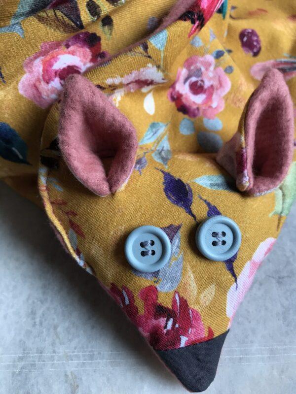 Vegan Fox Scarf - Kids - Floral - Pink - Close-Up