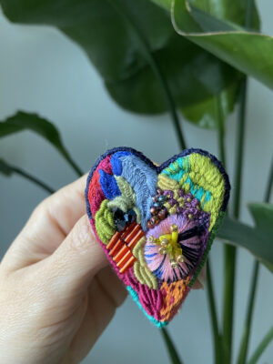 Brooch Embroidery - Rainbow Heart
